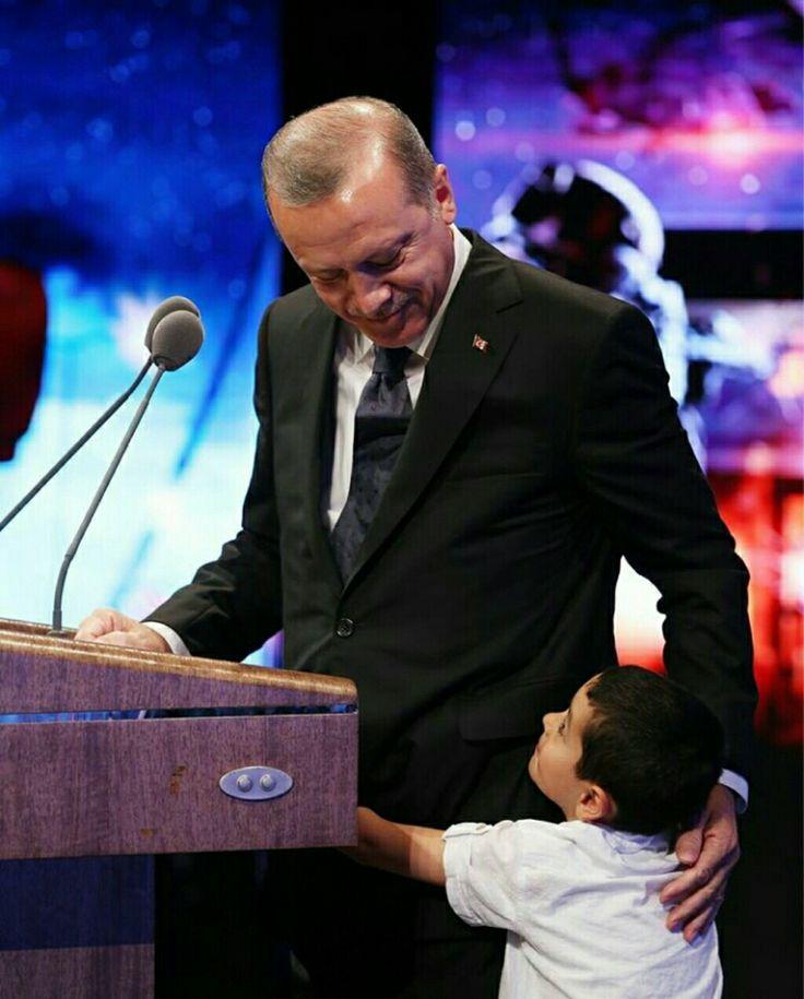 YÜREĞİ GÜZEL ADAM! #Reis #ÇocukSevgisi #VatanSevdası