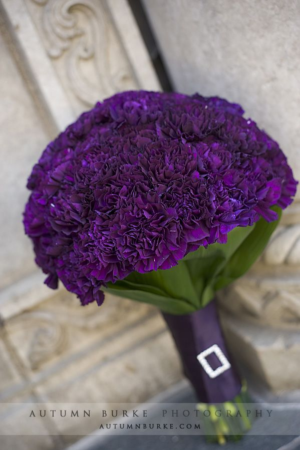 What a sophisticated use of carnations! These striking purple varieties are a special genetically altered breed, and they are incredible.