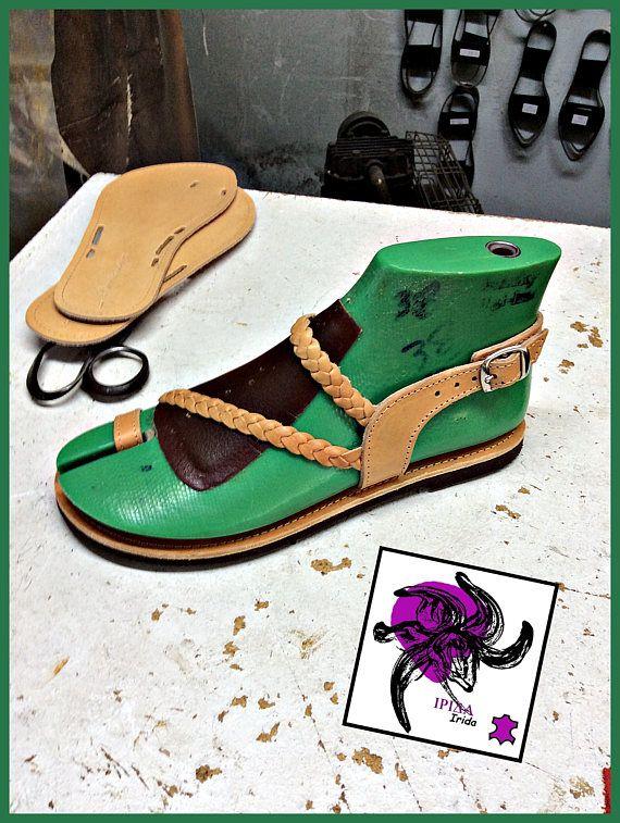 Sandalias de cuero de piel de vaca.