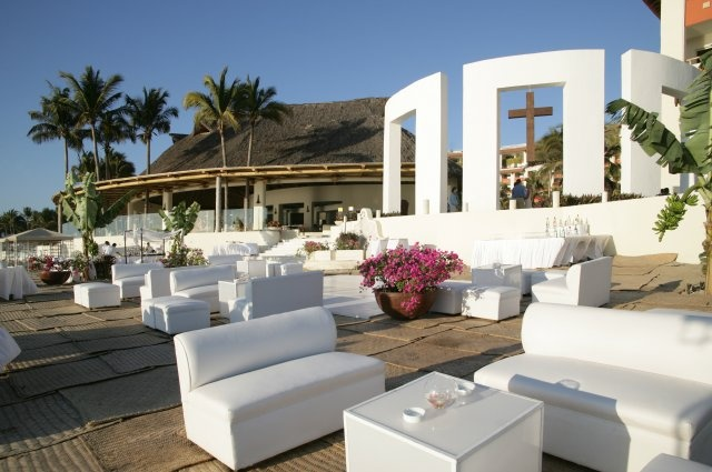 A member of The Leading Hotels of the World, Grand Velas redefines the all-inclusive luxury experience.