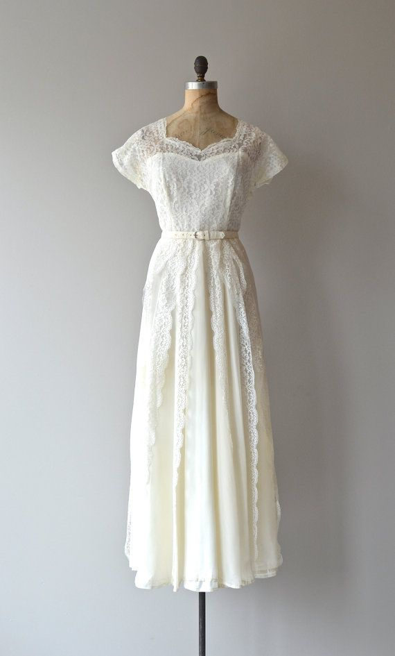 1000 ideas about 1940s wedding dresses on pinterest for Vintage 1940s wedding dresses