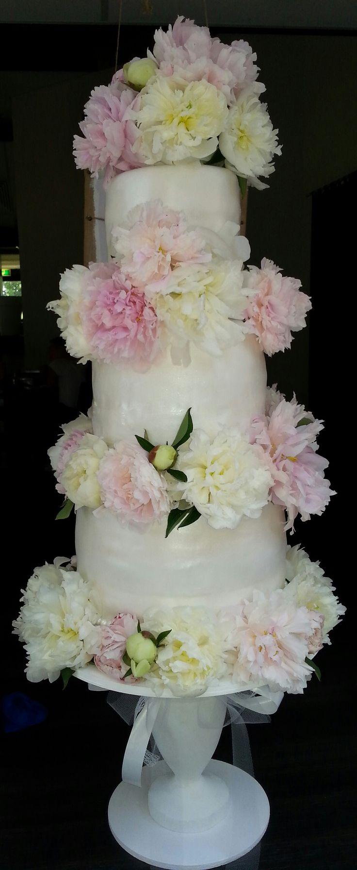 Peonies weddingcake