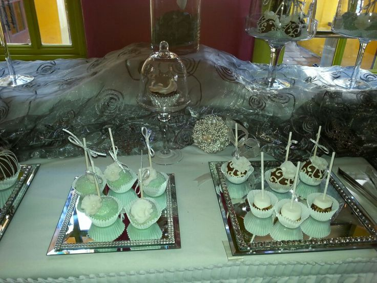 Cake pops by me