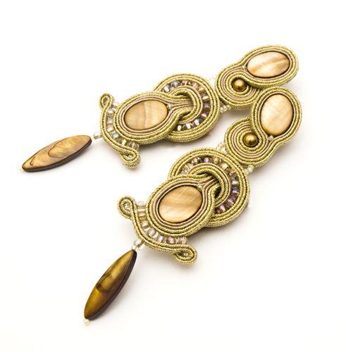 Kolczyki soutache - freaky złote.  Dostępne w Madame Allure!