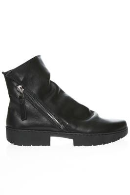 TOURIST ankle boot in smooth a little wrinkled cowhide leather - TRIPPEN
