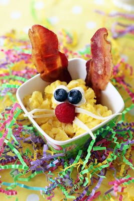 Easter Bunny Breakfast ~ cute Scrambled Egg & Bacon Bunnies
