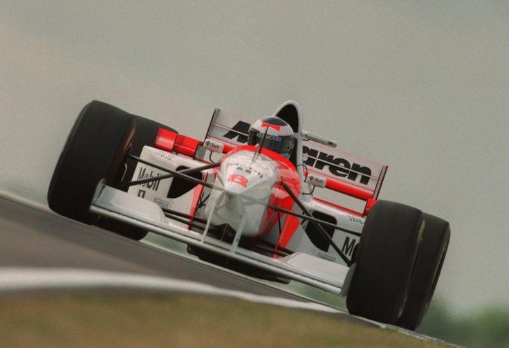 Mika Häkkinen (Marlboro McLaren Mercedes), McLaren MP4/10B - Mercedes FO 110 3.0 V10,  1995 British Grand Prix (Silverstone)