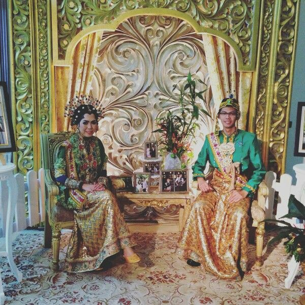 #bajubodo,  bugis traditional wedding, and the bride is still using #hijab #hjEmma collection