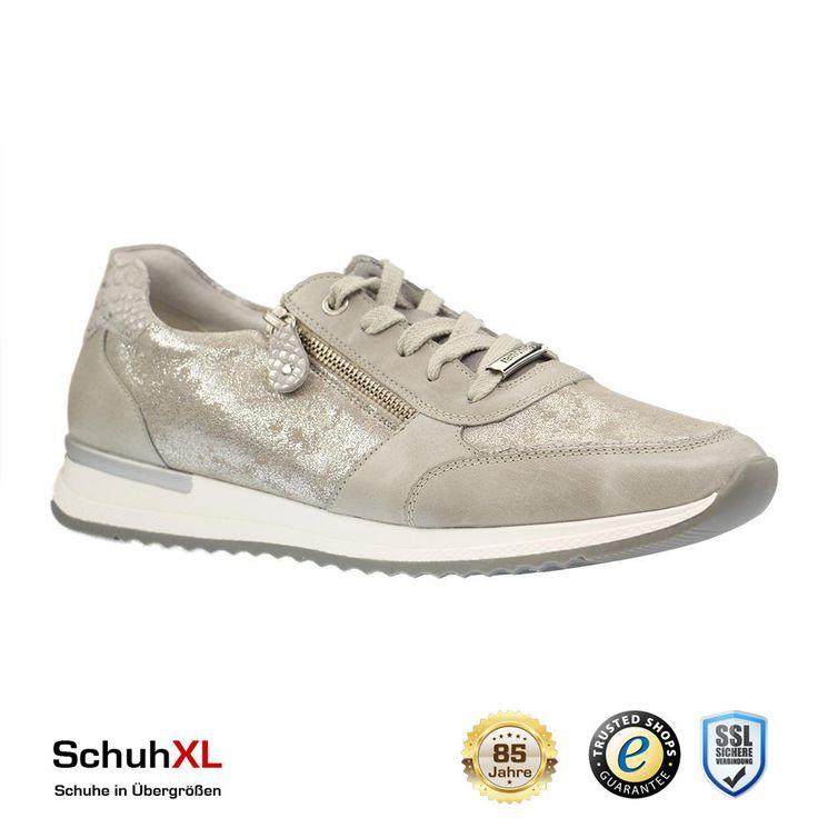 https://flic.kr/p/Rv8B4h | SCHUHXL Schuhe in Übergrößen große Schuhe Damen Herren Salzbergen - 00298 | SchuhXL - Schuhe in Übergrößen - Impressionen der aktuellen Frühling / Sommer 2017 Kollektion von SchuhXL- alle Artikel können im Webshop unter www.schuhxl.de oder im 700qm großen stationären Geschäft für große Schuhe in 48499 Salzbergen bei Münster erworben werden. SchuhXL ist ein in Europa führender Onlineshop für grosse Schuhe. Das Sortiment umfasst Damenschuhe in Übergrößen sowie…