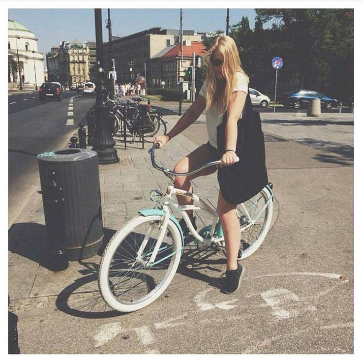 Bicicleta BLOOM TURQUESA ideal para ciudad disponible en  www.favoritebike.com BICICLETA PARA MUJER BLOOM TURQUESA <3 http://favoritebike.com/shop/beach-cruiser/bicicleta-para-mujer-bloom-turquesa/  #beachcruiser #cruisers #city #citybike #blondgirl #blond #longleggs #girl #beautifulgirl #streetstyle #street #bike #bicicletaurbana #urbana #ciudad #summer #instabike #fashion #rubia #chica #guapa #design #urbanstyle #bloggers #bikestylish #cycling #cycleporn #bestoftheday