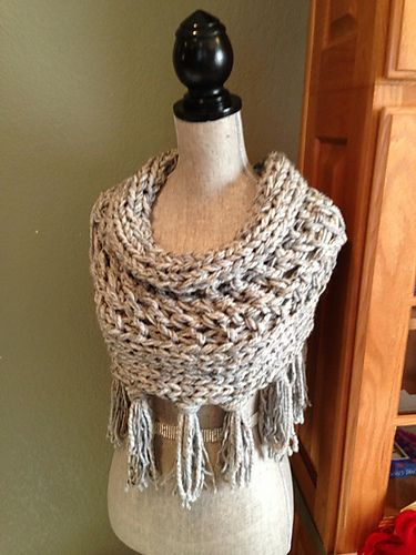 Ravelry: Gray 3-Strand Cowl with Fringe pattern by Louis Chicquette free #kniitting pattern