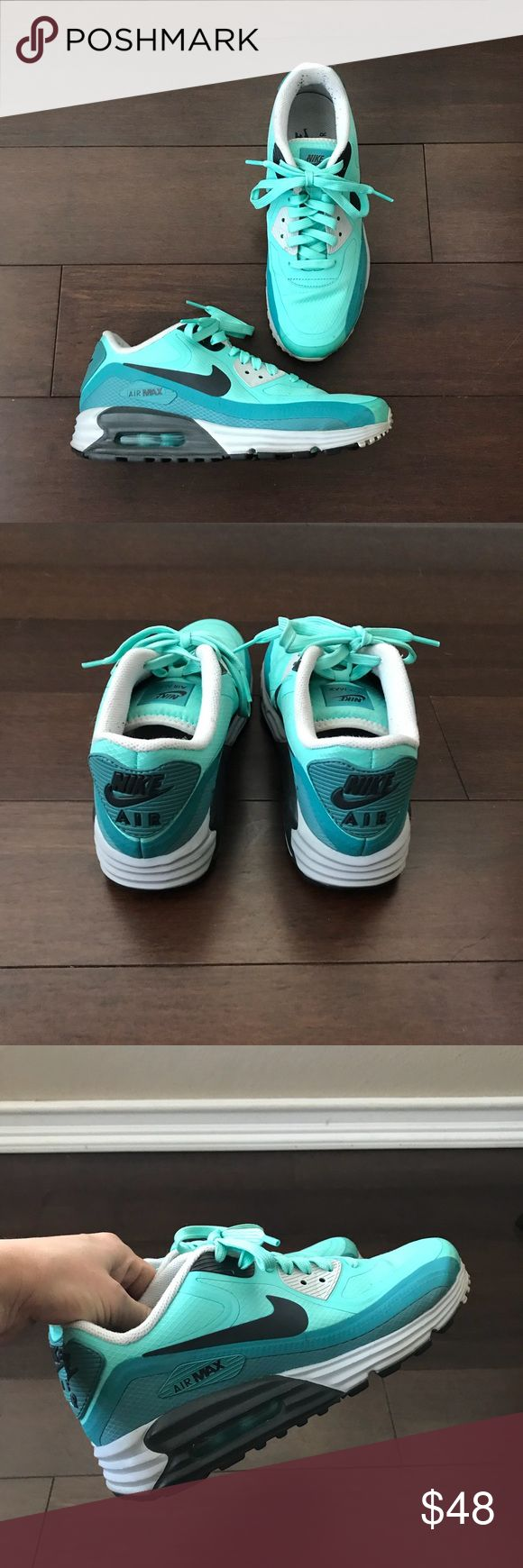 Nike Air Max. Size 6.5 and will fit 8. In excellent condition !! Nike Shoes Athletic Shoes