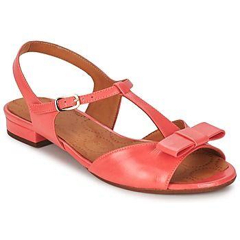 Wir lieben diese #sandalen in #koralle von @chiemihara! Ein echter Blickfang! #damenschuhe #sommertrends #leder
