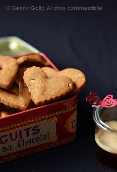 Biscotti al caramello salato e noci di Macadamia