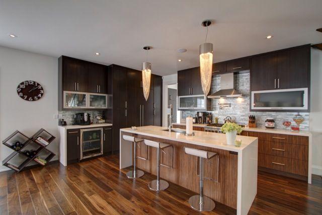 Chef Kitchen with Breakfast bar