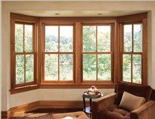 modelo de janela bay window em madeira                                                                                                                                                                                 Mais