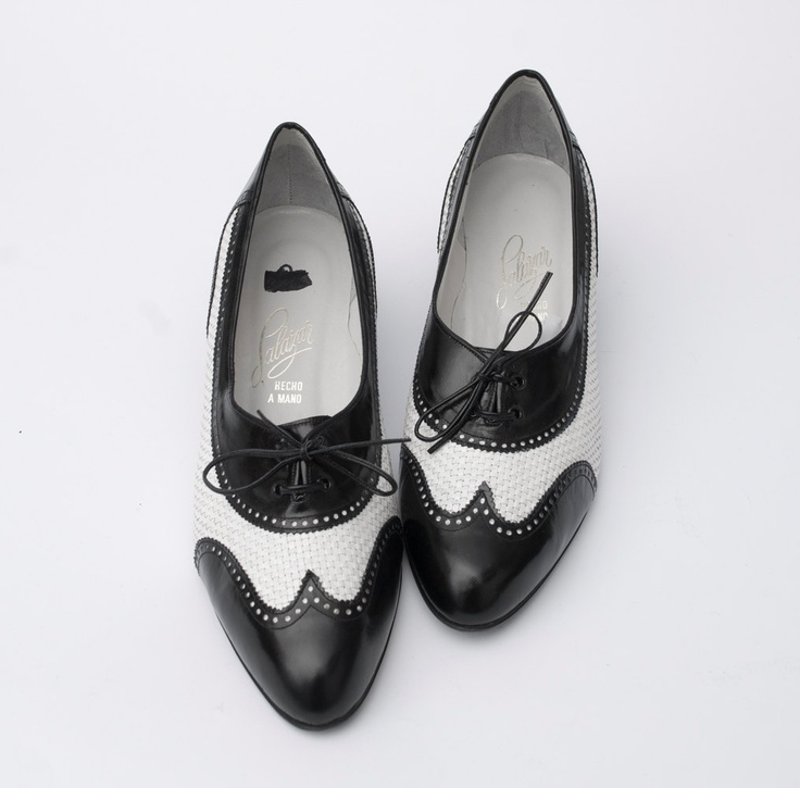 Size 9 or 9.5 Oxford Wingtip Spectator shoe lace up two tone black white  Dead Stock Vintage