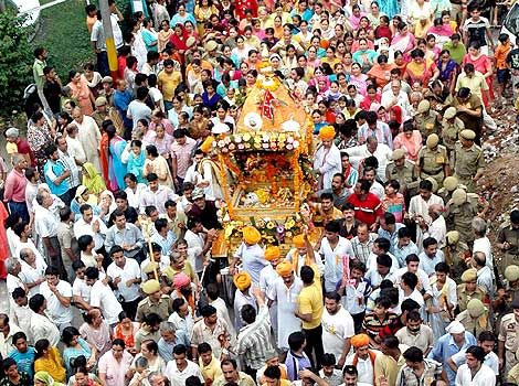 'Shoba Yatra' proceeding on the eve of 'Shri Krishna Janmashtami' in Jammu city on Saturday, August 23, 2008.