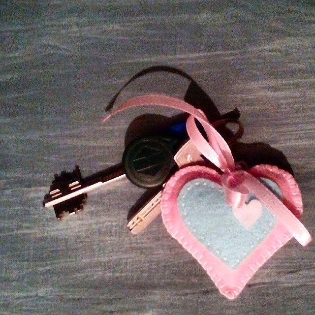«#сердечко, #hart, #valentinesday, #валентинка - брелок из фетра. Запускаю в космос :)»