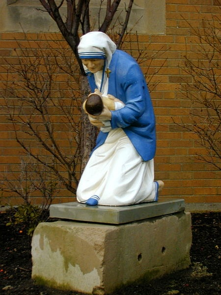 awesome statue of Mother Teresa