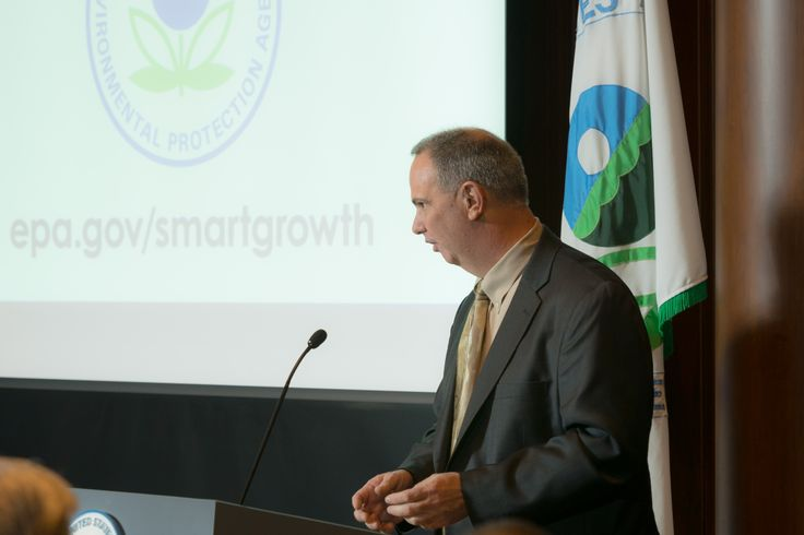 CMAP executive director Randy Blankenhorn accepts EPA Smart Growth Award for GO TO 2040.