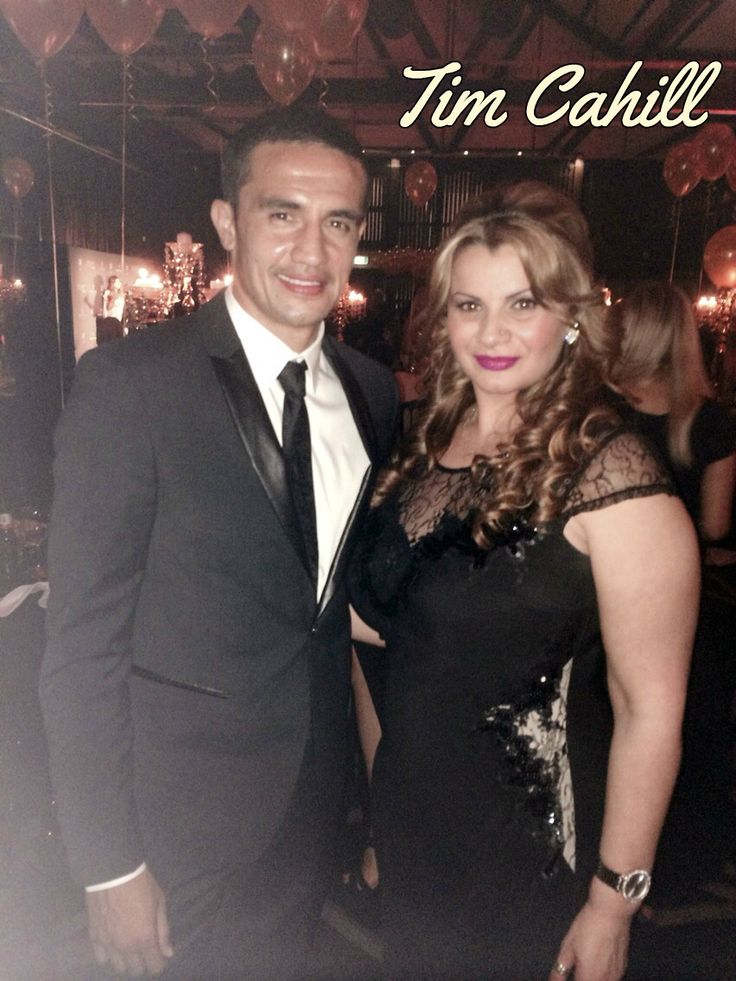Roseys Agent with Tim Cahill
