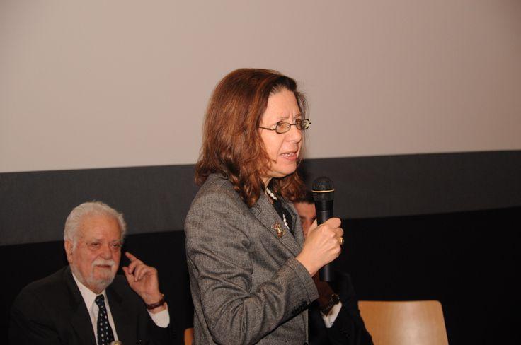 Συζήτηση «Η Γαλλία της Μελίνας» Σάββατο 8 Μαρτίου 2014. Μαρία Κομνηνού, Γενική Γραμματέας ΔΣ, Ταινιοθήκη της Ελλάδος, Καθηγήτρια, Πανεπιστήμιο Αθηνών.