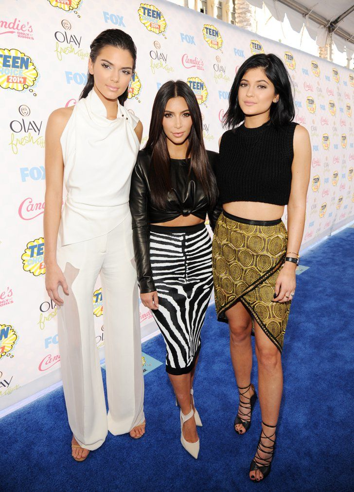 Pin for Later: You Don't Have to Be in High School to Spot Stars at the Teen Choice Awards Kendall Jenner, Kim Kardashian, and Kylie Jenner