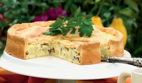 Lækker spanskinspireret tærte med kartoffel og bacon
