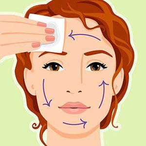 Cleanser (If You Have Oily Skin):  If you have oily skin use a glycolic acid-salicylic acid pad to wipe your entire face. The salicylic acid deep-cleans pores and removes makeup, and the glycolic acid treats blackheads.    Limpiador (Si tienes la piel grasa):  Si tienes la piel grasa utiliza un ácido glicólico, salicílico ácido almohadilla para limpiar tu rostro. El ácido salicílico profundas limpia los poros y elimina el maquillaje, y el ácido glicólico trata espinillas.