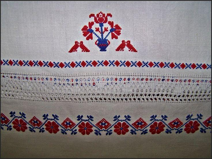 Palóc keresztszemes hímzés subrikáva - Hungary