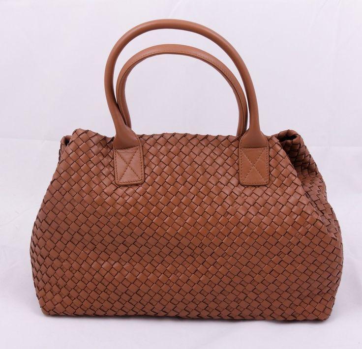 Кожаная сумка  BOTTEGA VENETA Cabat Tote Bag