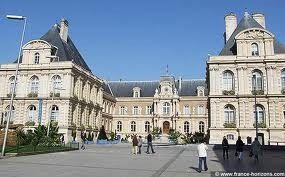 Hôtel de ville d Amiens maintenant