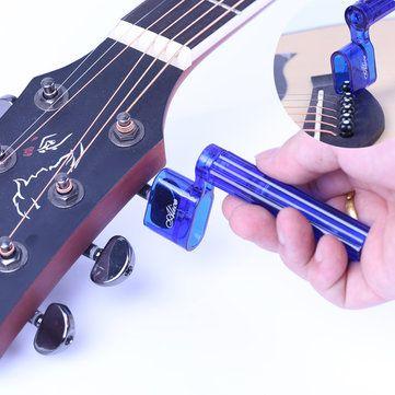 Una alta resistencia y bobinadora cadena compacta pueden aflojar y apretar las cuerdas desenrollando y enrollado en las clavijas también puede sacar los pasadores de puente con la muesca