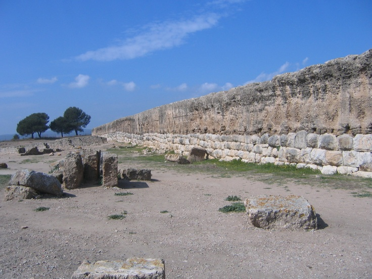 Roman wall in Empúries (Spain). This mosaic is located in the Forum. 1st century BC.