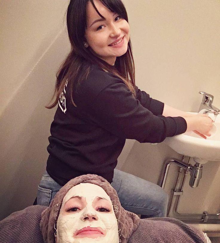 Kosmetologi työssä ���� #cosmetology #bioline #pura+ #facial #lovemyjob �� http://tipsrazzi.com/ipost/1506067690628118102/?code=BTmoJXLlPZW