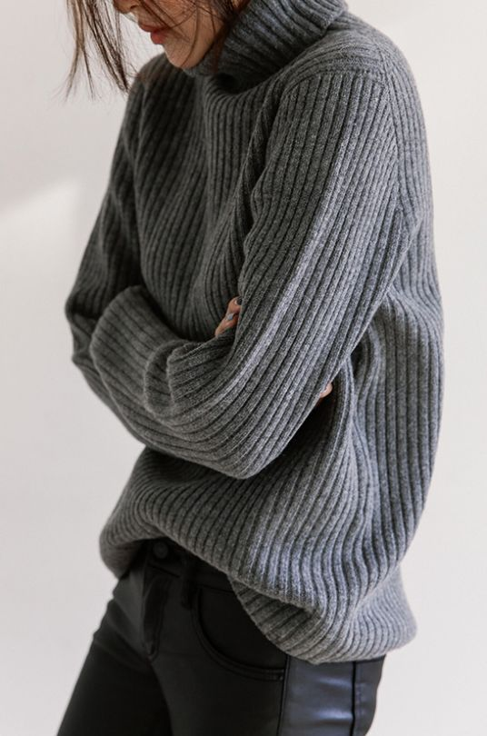 Grey turtle neck sweater | winter fashion | winter style | winter outfit | streetstyle
