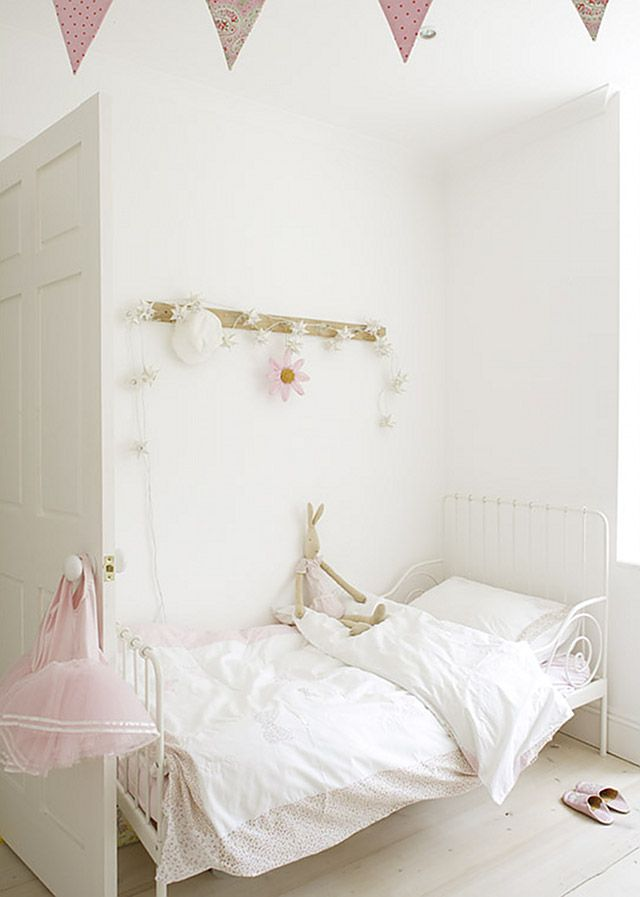 Lovely!! Girls room