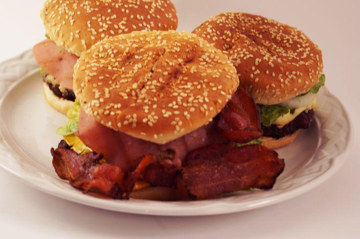 La famosa Carnívora! sólo en Bongo's Burger