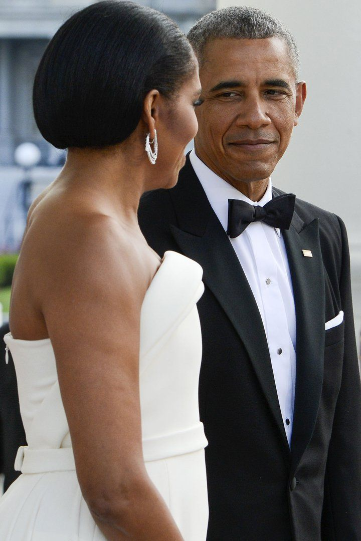 Pin for Later: Barack and Michelle Obama Look So in Love at the Latest White House Dinner