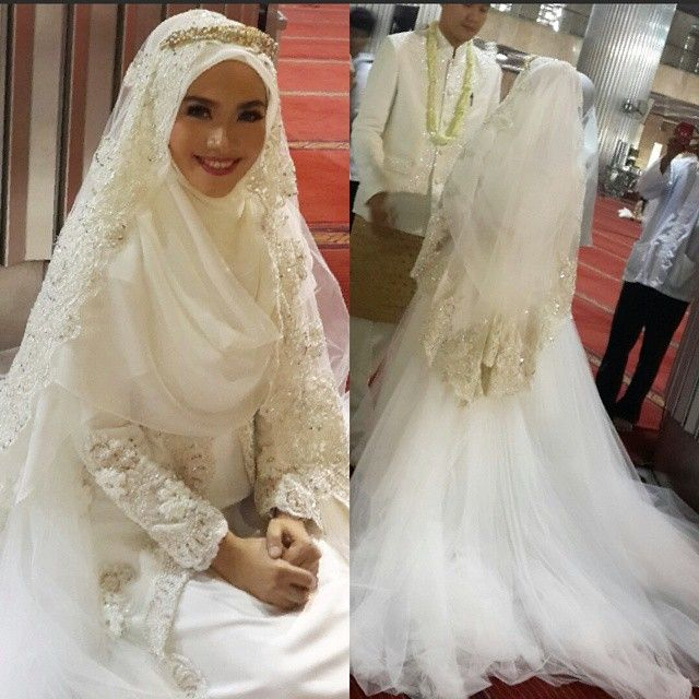 Beautiful Syar'i bride Designed by : Norma Hauri (Indonesia)