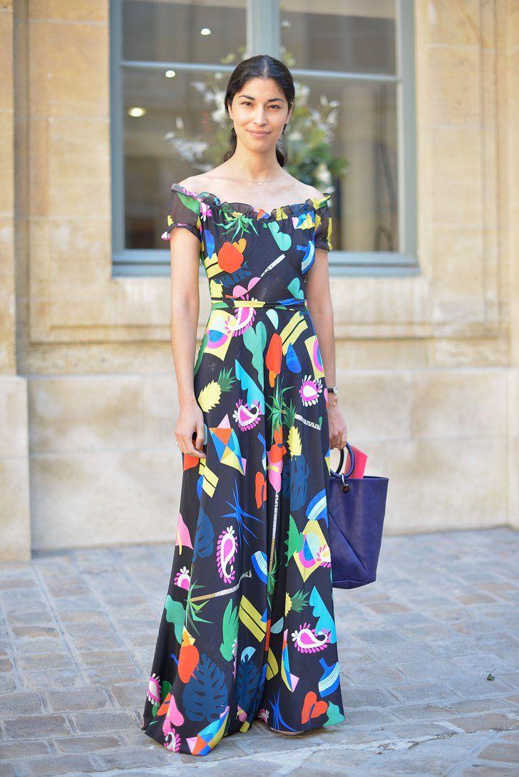 Pin for Later: Zeigt her eure Schultern solange es der Sommer noch zu lässt Street Style Trend: Schulterfreie Tops und Kleider