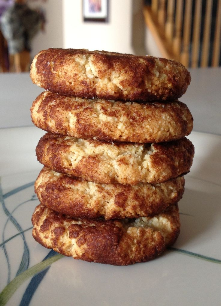 Paleo Snickerdoodles: 2 cup almond flour, 1/8 tsp sea salt, 1/4 tsp baking soda, 4-5 tbsp coconut oil (melted), 1/4 cup honey, 1 tbsp vanilla extract, mix, roll in cinnamon & flatten, bake at 350 for 7-8mins.