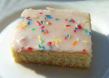 Backen: Einfacher Fanta-Blechkuchen