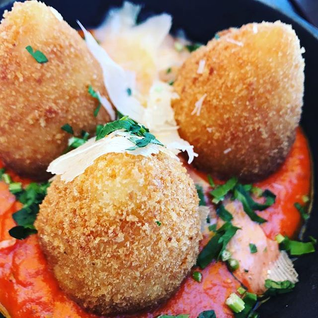 Loving these delicious vegetable arancini. Served with crunchy fresh salad. #2delicious4words #sydney #arancini