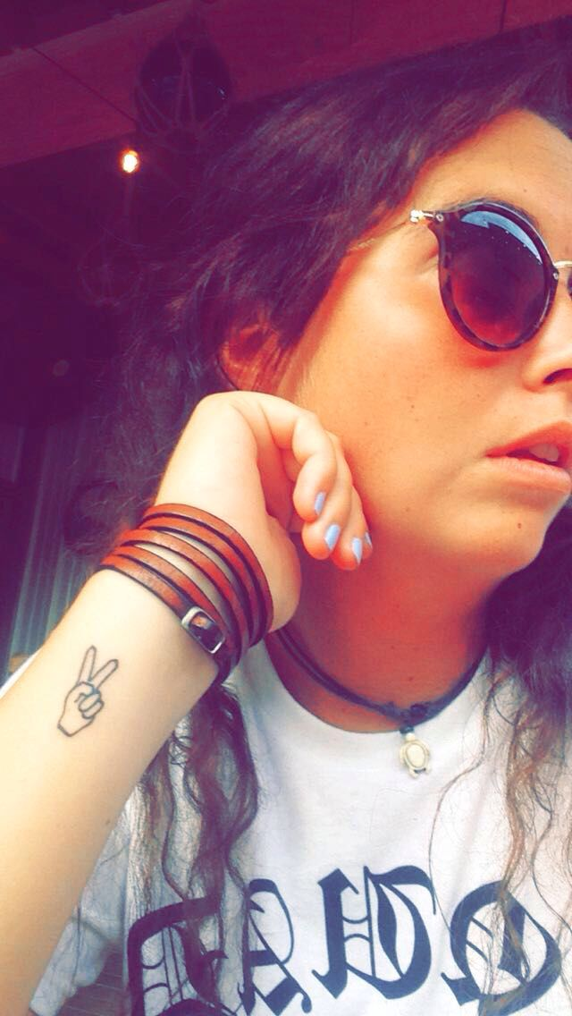 Peace sign arm tattoo #peace #sign #tattoo