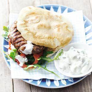 Recept - Magere hamburger met tzatziki - Allerhande