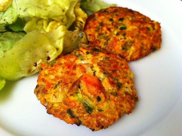 Salmon Cakes -- easy recipe for using up leftover salmon, with lots of leeway on veggies and seasonings you can include