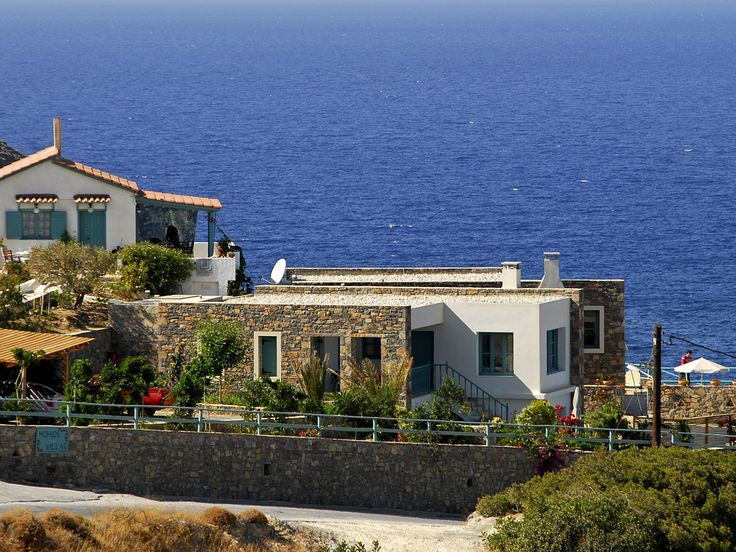 HOT OFFER : 9% OFF in order to stay at comfortable, well fitted #villas with private pool, on a perch sea & island view, with the local feel of #Mochlos |#Village. Book : http://www.superbgreece.com/hotel/mochlos-villas