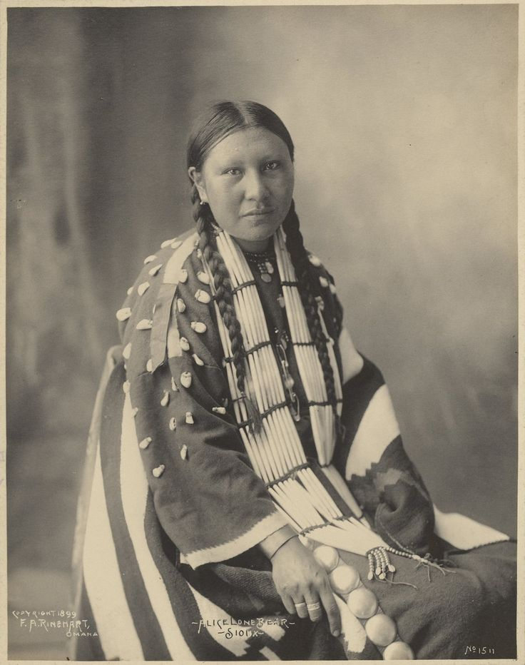 Alice Lone Bear, Sioux, 1899. Platinum print - photo by by Adolph F. Muhr and Frank Rinehar (Getty Museum, LA)